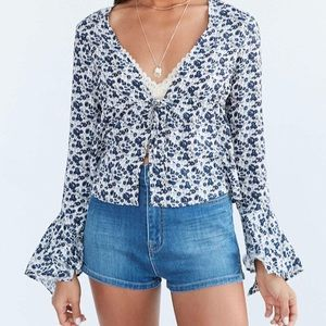 Urban Outfitters Eleanor Belle Sleeve Floral Top